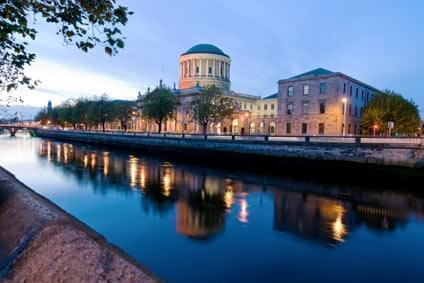Flüge - Von, nach und ab Irland günstig buchen