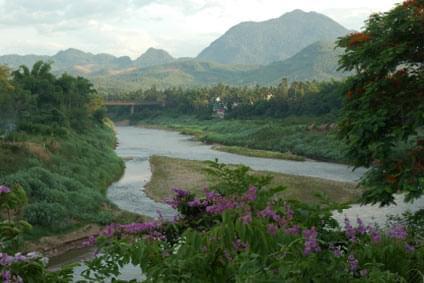 Flüge - Von, nach und ab Laos günstig buchen