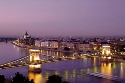 Flüge - Von, nach und ab Ungarn günstig buchen