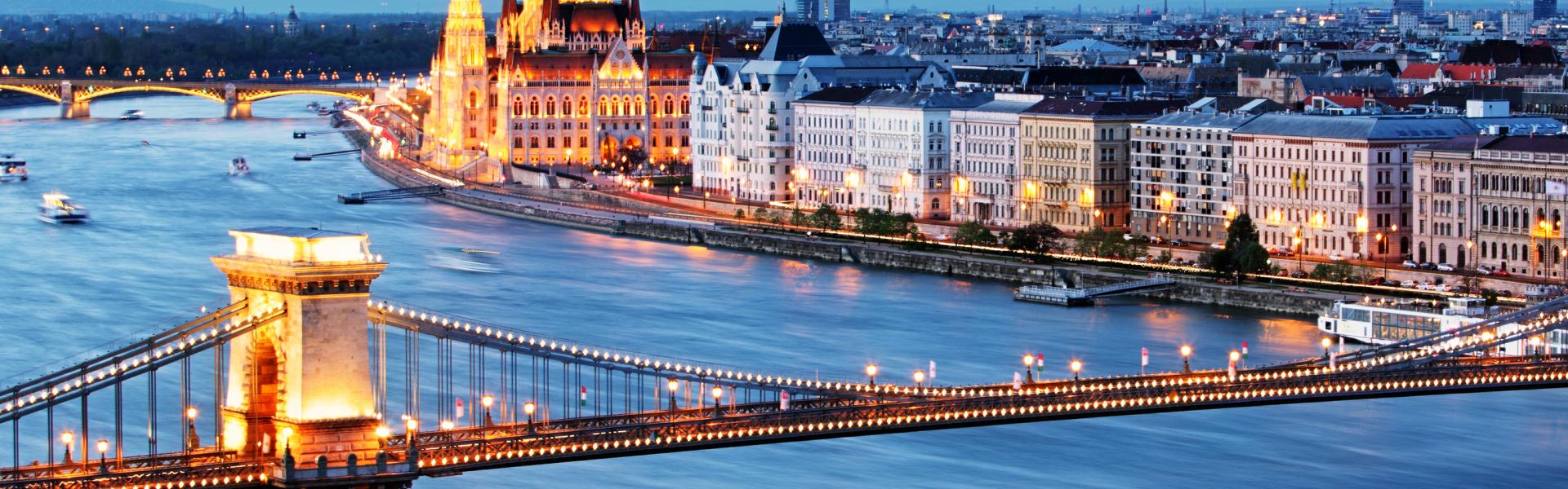 Flug Budapest: Flüge & Billigflüge nach Budapest günstig online ...